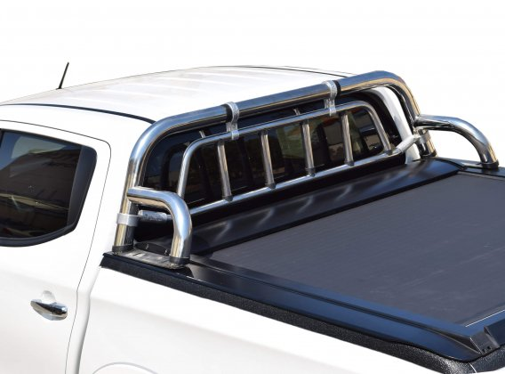 Stainless steel 1 1/2 leg roll bar with protective grille guard